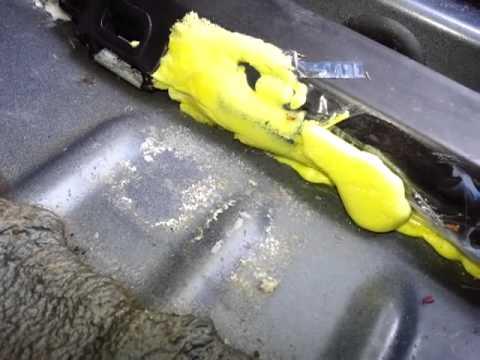 Jeep Grand Cherokee Laredo Rain Water Leak Youtube