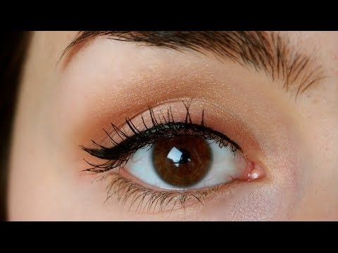 How To Apply Eyeliner Like a PRO! Simple and Quick Makeup Tutorial!