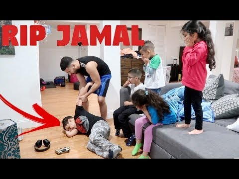 9 YEAR OLD DOES BEST RAMADAN PRANK EVER!!!