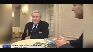 Patrick Macnee, L