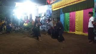 Download Video ATRAKSI CAROK 4 SERANGKAI(pencak silat:PUTRA HARAPAN)by:MARIO,AINUN,SAY,MAT MP3 3GP MP4