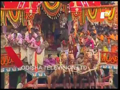 Chariot Pulling | Puri Rath Yatra 2017 - Lord Jagannath, Balabhadra, Devi Subhadra Rath Pulling