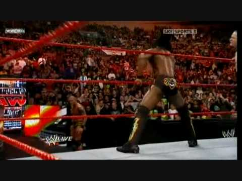 Kofi Kingston destroys Randy Orton