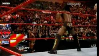 Kofi Kingston destroys Randy Orton