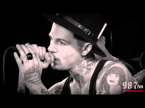 "The Neighbourhood ""Baby Came Home"" Live Acoustic"