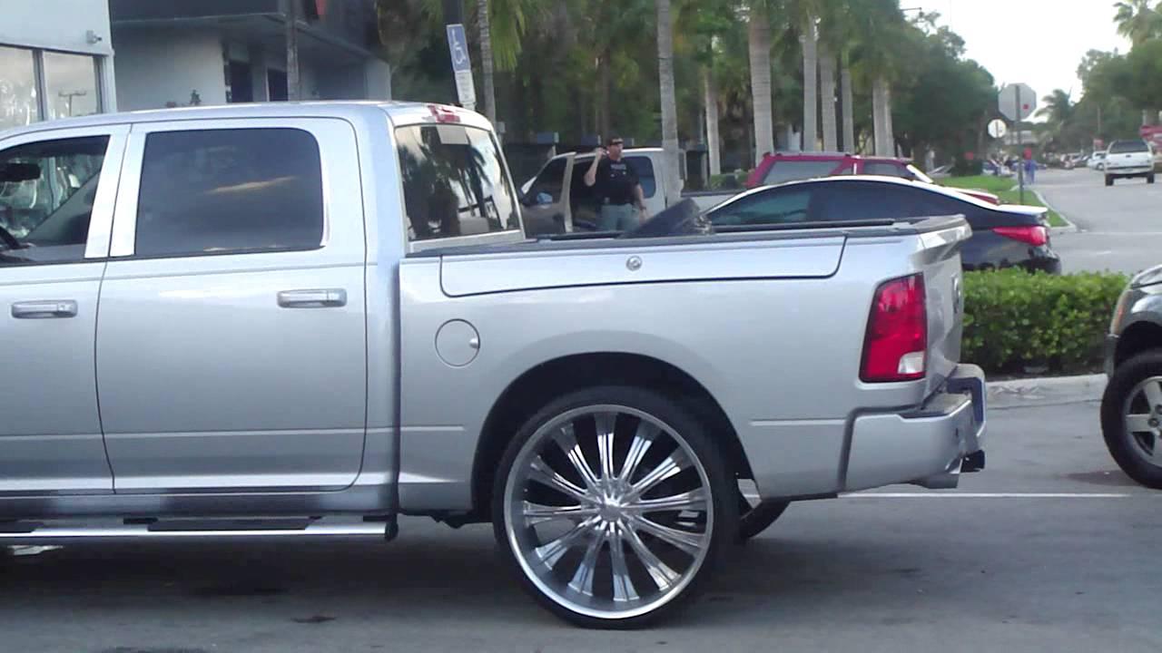 2013 22 300 Rims Inch Chrysler