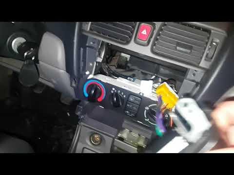 Замена штатной магнитолы Nissan Almera 2001
