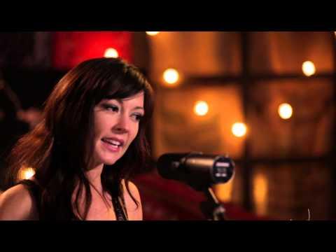 Amanda Shires - Swimmer (Live in Lubbock)