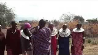 世界一周147日目。タンザニアでマサイ村を訪れてきました。歓迎のセレモ...