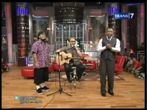 #1 Ebiet G.Ade & Adera - One Night With Ebiet G.Ade - Bukan Empat Mata 04 July 2012 - Trans7.flv