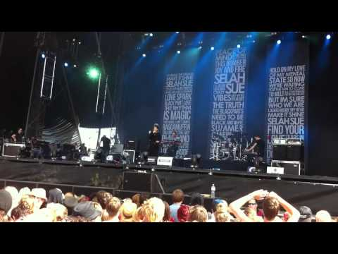 Selah Sue - All I Need From You (Live at Southside Festival 2012)