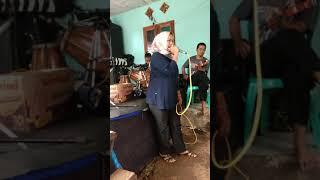Download Video Kasurupan bangbung hideung MP3 3GP MP4