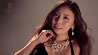 AG亚游ag96888-com AG平台魔力女星AV女优赌桌上展示妩媚身段