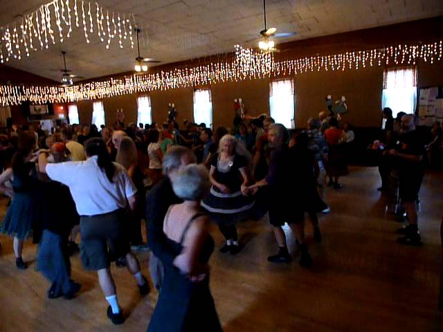 Portland Roadhouse Dance - Cascade Promenade 2012 - Lovin' Spoonful plays Flying Home to Shelly