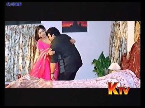 Nijam movie video songs charachara paakindi video song mahesh babu rakshitha - 4 7