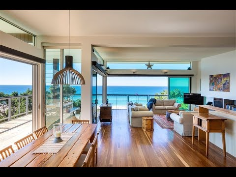 Elevated Beach House In Currumbin Queensland Australia
