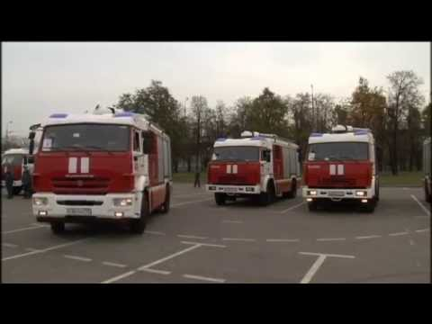 Russian Extreme Fire Engines: Moscow firemen practice advanced driving skills
