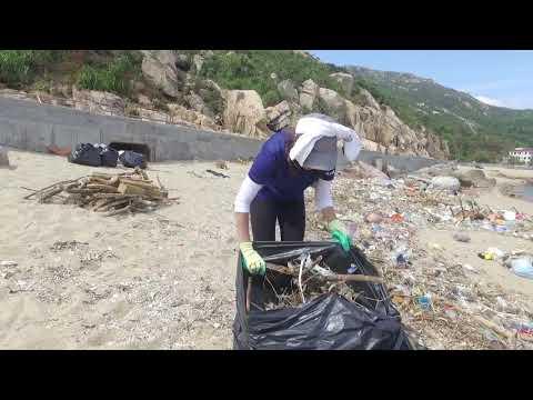 南丫島風災後海岸清理工作 Lamma Island