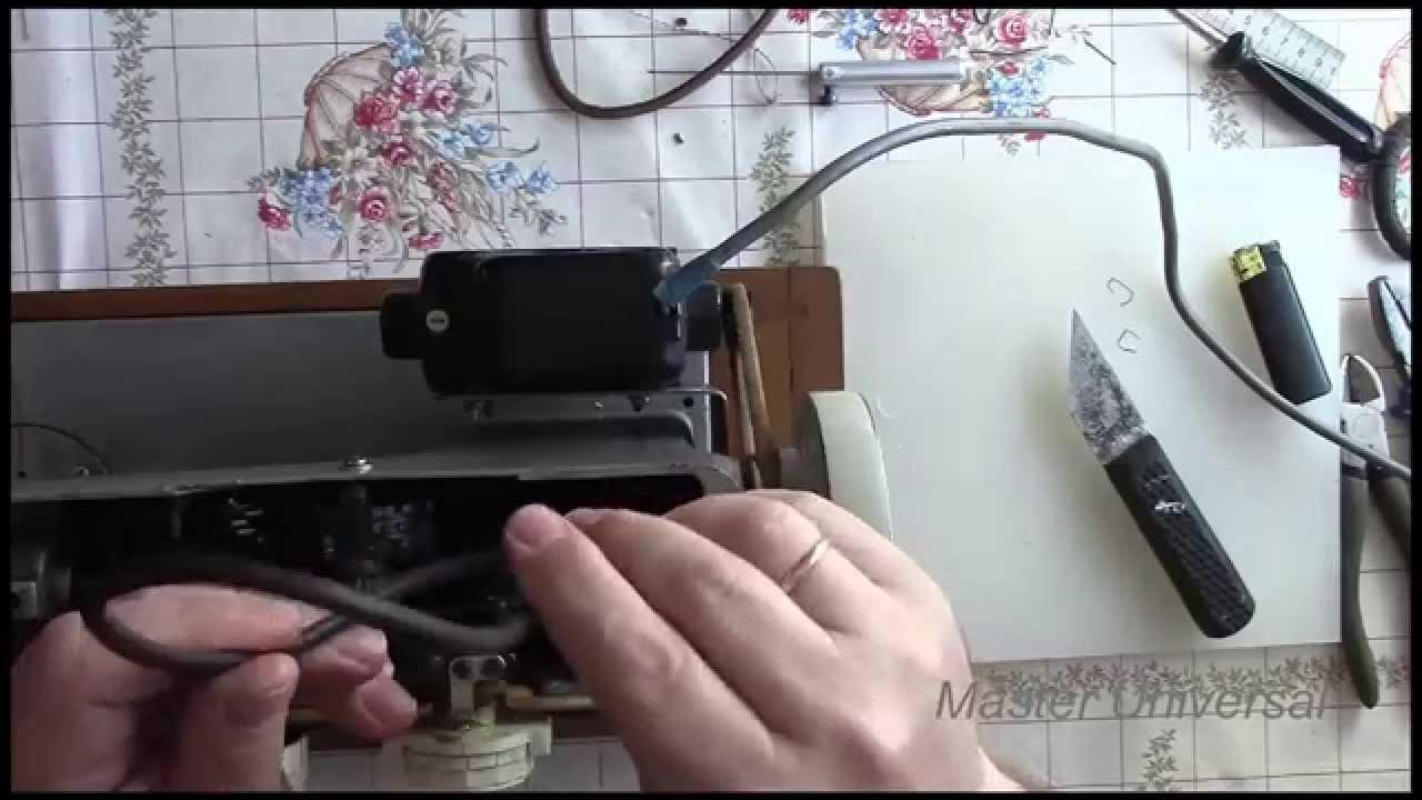 В рабочем состоянии. Ручная. Швейная машинка подольск. В комплекте запасные части, иголки, о. Швейная машинка