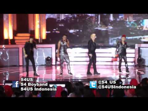 S4 - She Is My Girl at 'Konser Putih Abu-Abu Season 2'