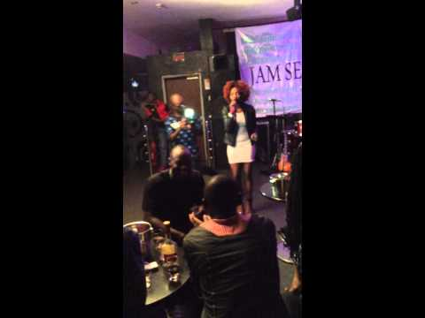Simi - Tiff (Live Performance)