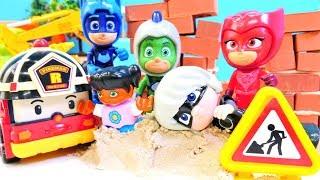 Pijamaskeliler ve Robocar Poli oyunları. Romeo inşaat alanında çocukları oynatıyor