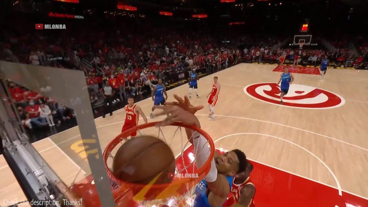 """PJ Tucker alley oop """"three pointer"""" to Giannis 😄 Bucks vs Hawks Game 3"""