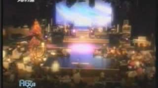 """Despoina Vandi - Intro Video before """"Yparxei Zoi"""" (Aksizei na to deis, 01.01.2010)"""