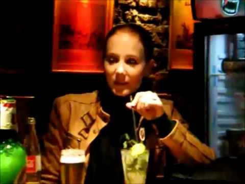 Simone Simons Screwups