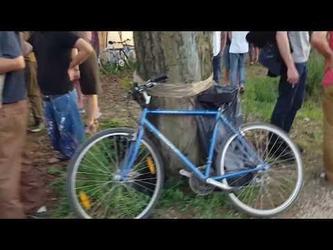 Biking France   Choosing sides along Canal de l'Ourcq