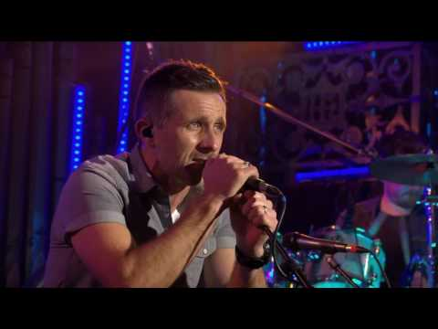 Johnny Brady | Love Is All We Need | TG4
