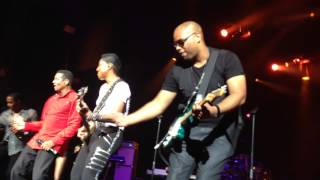 "The Jacksons live in Paris: ""Shake Your Body"" (Shovel The Funk)"