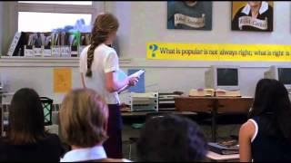 Kat leyendo su poema - 10 Cosas que Odio de Ti (Doblaje hispanoamericano)