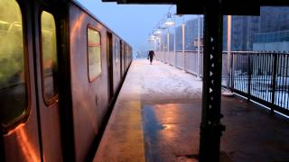 IRT Subway: Snowy Manhattan Bound R142 (4) train at 176th Street