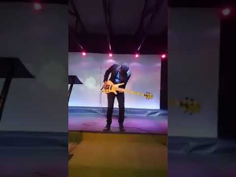 One of the greatest bass guitarist Jonathan Rubain performing his song Grateful of his new album