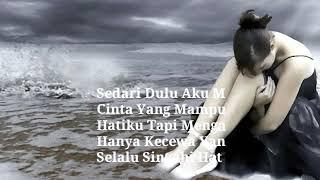 Download lagu Lelah Hatiku Menunggu -Lagu Paling Galau Hits Terbaru