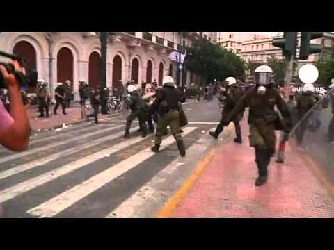 Violence clashes after Greek austerity vote
