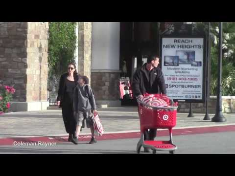 "Angelina Jolie takes daughter at music store ""Guitar Center"" in Los Angeles"
