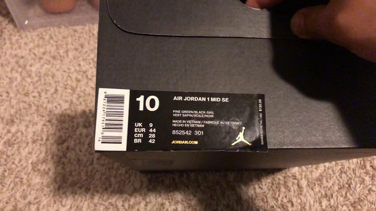 premium selection fa165 42408 Nike Air Jordan 1 Mid SE