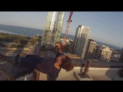 SNEAKING ONTO INSANE ROOFTOP IN CHICAGO