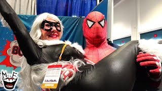 SPIDER-MAN PICKS UP GIRLS & SUPERHEROES at COMIC CON!! MELF
