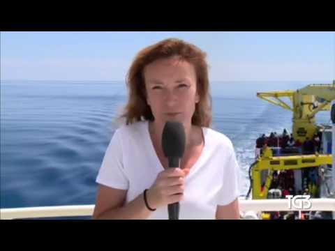 In Libyan waters at least twenty migrants die in the sinking