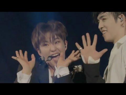 SEVENTEEN - ADORE U 아낀다 2018 JAPAN ARENA TOUR 'SVT'