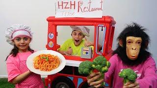لعب مطعم وتقديم أطباق الطعام Heidi و Zidane