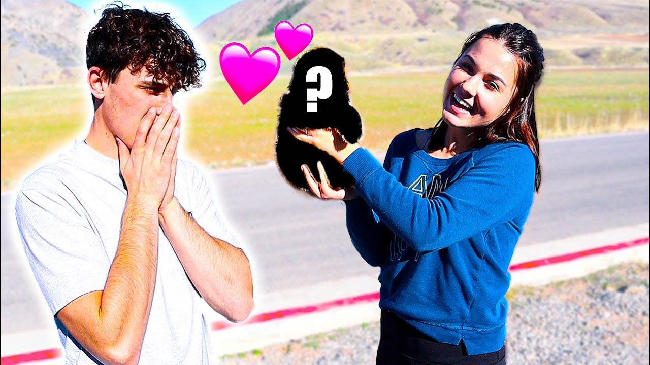 SURPRISING MY HUSBAND WITH A PUPPY! *AUSSIE DOODLE*
