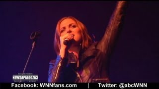 Paula Faris Sings On Stage: Newsapalooza 2012