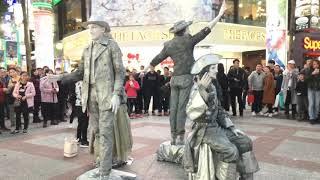 iPhone SE short Film Live Statues