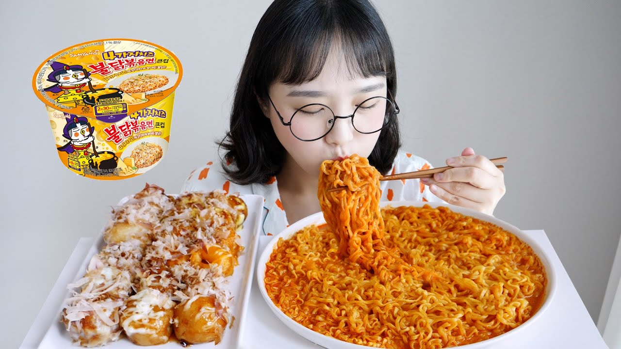 타코야끼와 신상 4가지 치즈 불닭볶음면 먹방❤불닭 + 타코야끼 진짜 지구정복 가능할 듯 REALSOUND MUKBANG   Fire spicy noodles :D