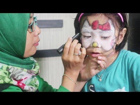 Face Painting Challenge | Yaya Berubah Jadi Hello Kitty, Kalo Bunda Jadi Apa Yah ?