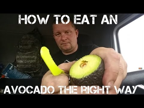 ✔HOW TO EAT AN AVOCADO THE RIGHT WAY ;)